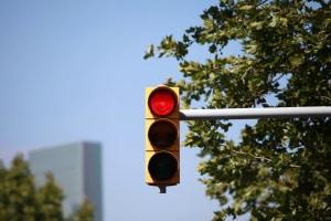 Ein häufiges Beispiel für A-Verstöße sind Rotlichtverstöße.