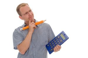 Wie können Sie den einzuhaltenden Abstand innerorts und außerorts berechnen?