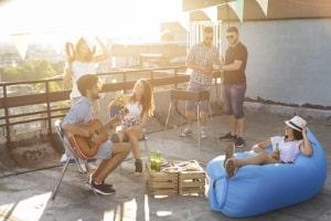 Für die Abstimmung: Die Sommerzeit bietet länger Sonne für Aktivitäten.
