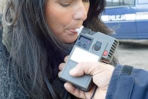Ist der Alkoholtest Pflicht? In Deutschland können Sie bei der Verkehrskontrolle die Messung der Atemalkoholkonzentration verweigern.