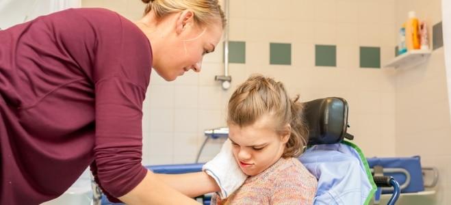 Was bedeutet ambulante Pflege? Die Antwort liefert der nachfolgende Ratgeber.