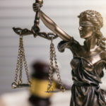 Amtshaftung bei unwirksamer Mietpreisbremse: Der BGH verwehrt betroffenen Mietern eine Entschädigung.