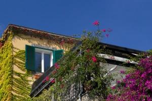 Für eine Dachterrasse muss immer ein Antrag auf Baugenehmigung gestellt werden.