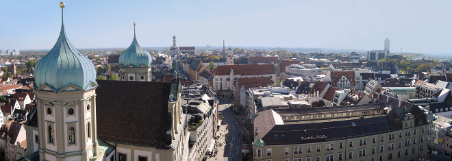 Ein Anwalt für Arbeitsrecht in Augsburg wird Ihnen in beruflichen Belangen zur Seite stehen.