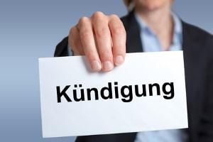 Einen Anwalt für Arbeitsrecht in Hamburg können Sie bei unzulässiger Kündigung einschalten.