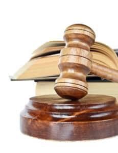 Wer Anwalt werden möchte, der muss zunächst erst einmal ein Studium absolvieren