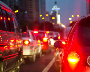 Auf den Weg in den Feierabend ist ein Unfall schnell passiert. Dann hilft ein Anwalt für Versicherungsrecht in Bonn.