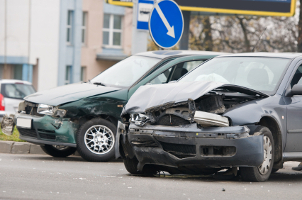 Ein Anwalt für Versicherungsrecht in Braunschweig hilft Ihnen nach einem selbstverschuldeten Unfall.