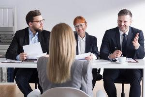 Bevor Sie einen Approbation beantragen können, müssen verschiedene Prüfungen bestanden werden.