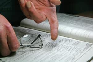 Auch Arbeitgeber können eine Abmahnung erhalten.