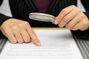 Ein Arbeitszeugnis für die Rechtsanwaltsfachangestellte nach der Ausbildung gehört in der Regel dazu.