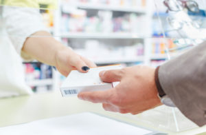 Einem Apotheker wird Arzneimittelfälschung mit Tötungsabsicht vorgeworfen.