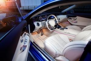 Sie können Ihr Auto durch Innenraum-Tuning Ihrem Geschmack anpassen.
