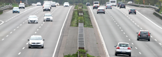 Welche Regeln gelten zum Befahren der Autobahn in Deutschland?