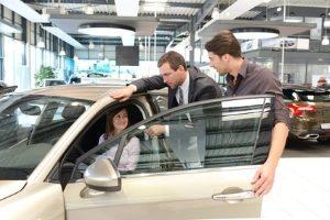 Mit einem Autokredit können Sie einen Neu- oder Gebrauchtwagen finanzieren.
