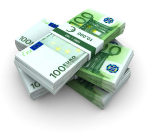 Der BAföG-Höchstsatz beträgt bei Studenten 735 Euro.