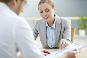 Beratung zur Unternehmensnachfolge erhalten Sie auch bei einem Anwalt.