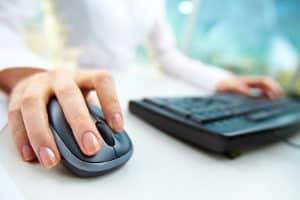 Bewertung im Internet: Rechtsanwälte sollten regelmäßig ihren Ruf im Netz prüfen.