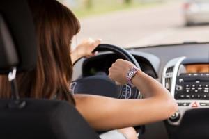Das Bußgeld im Vorfeld berechnen zu können, kann für Berufstätige, die auf das Auto angewiesen sind, sinnvoll sein.
