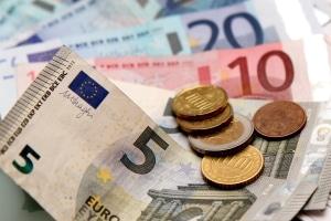 Bußgeldbescheid: 25 Euro Gebühr müssen Sie immer einplanen.