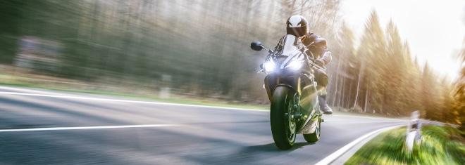 Welche Tatbestände und Sanktionen sieht der Bußgeldkatalog fürs Motorrad vor?