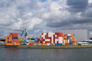 Durch CETA soll zwischen Kanada und der EU mehr Handel stattfinden.