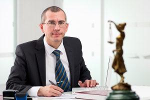 Computerbetrug: Ein Rechtsanwalt hilft Ihnen im Falle einer Anzeige.