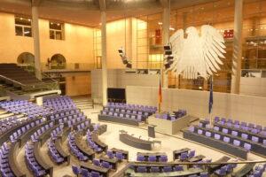 Ein Cyberangriff auf den Bundestag konnte auch schon dokumentiert werden.