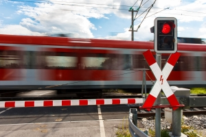 Cyberterrorismus zielt auf die Störung von Infrastrukturen ab und manipuliert unter anderem den Bahnverkehr.