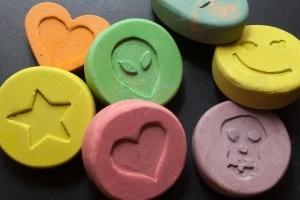 Die Möglichkeiten im Darknet werden bei der Menge der Drogen, die bei Razzien sichergestellt werden konnten, deutlich.