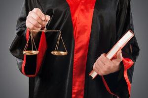 Diebstahl: Mit einer Strafe ist laut § 242 Absatz 2 StGB auch beim Versuch einer Tatbegehung zu rechnen.