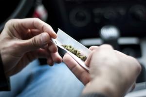 Eine Unterscheidung zwischen harten und weichen Drogen im Straßenverkehr sieht der Gesetzgeber nicht vor.