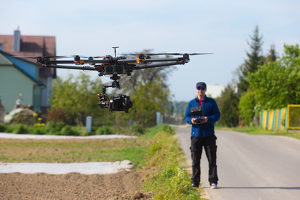 Laut Drohnen-Verordnung dürfen unbemannte Fluggeräte nur auf Sichtweite geflogen werden.
