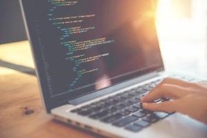 Die DSGVO tritt in Kraft und betrifft damit auch jeden, der eine Webseite oder einen Blog betreibt.