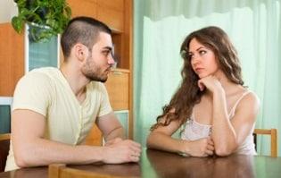 Der Selbstbehalt ist der Tabelle zu entnehmen. Auch der Ehegattenunterhalt orientiert sich an der Unterhaltstabelle.