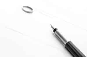 Bei der Eheschließung wird laut Familienrecht ein Vertrag abgeschlossen