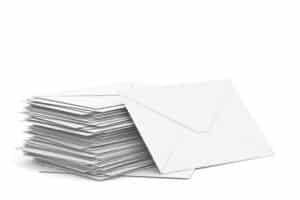 Die Urkunde zur Einbürgerung kommt per Post.