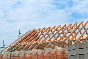 Die Einhaltung von Bauvorschriften sollte auch zwischendrin kontrolliert werden.