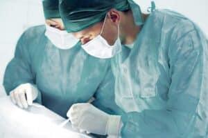 Eine Erwerbsunfähigkeitsversicherung kann aufgrund von Krankheit in Anspruch genommen werden.