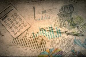 Wirtschaft und Europarecht: Die wichtigsten Grundlagen für einen EU-Binnenmarkt sind die fünf Grundfreiheiten.