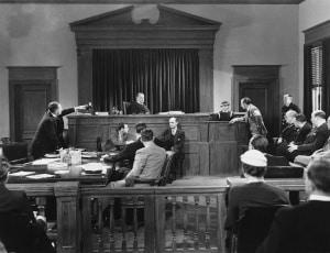 Das Europarecht beinhaltet verschiedene Klagearten, z. B. das Vorabentscheidungsverfahren.