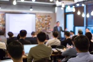 Ausbildung zum Fachanwalt: Für die Richtungen bzw. Fachgebiete gelten individuelle Vorgaben zur Anzahl der bearbeiteten Fälle.