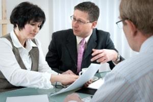 Ein Rechtsanwalt bzw. Fachanwalt für Strafrecht in Koblenz kann Sie eingehend zu allen Belangen des StGB beraten.