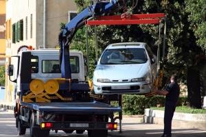 Fahren trotz Führerscheinentzug kann sogar das Fahrzeug kosten