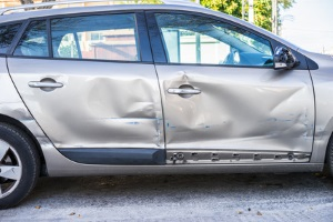 : Eine Fahrerflucht bei einem Bagatellschaden hat zumeist keine Haftstrafe als Folge.