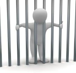 Fahrerflucht: Die Strafe variiert je nach Schwere zwischen einer Geld- und einer Haftstrafe.