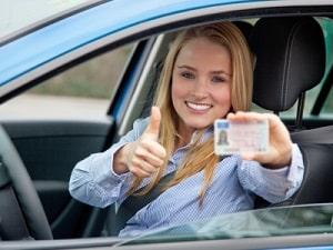 Fahranfänger erhalten die Fahrerlaubnis zunächst auf Probe.