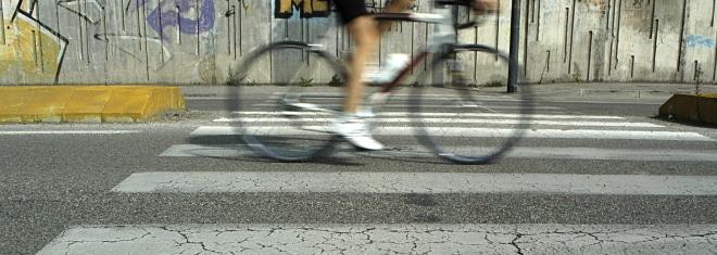 Schreibt das Gesetz für Fahrten mit dem Fahrrad eine maximale Geschwindigkeit vor?