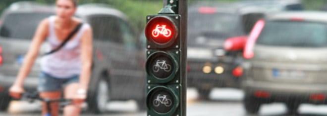 Mit dem Fahrrad über eine rote Ampel: Ist der Führerschein gefährdet?