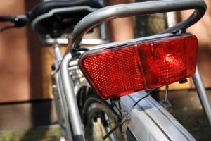 Wer am Fahrrad weder Rücklicht noch Scheinwerfer oder Reflektoren hat, muss mit Sanktionen rechnen.